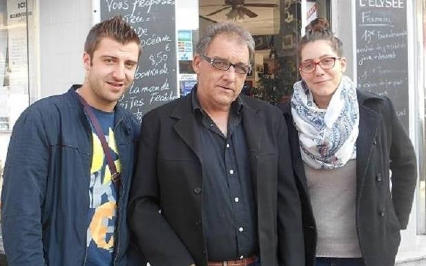 Gilbert Pinteau (centre) with volunteers of the Collectif des SDF de Lille